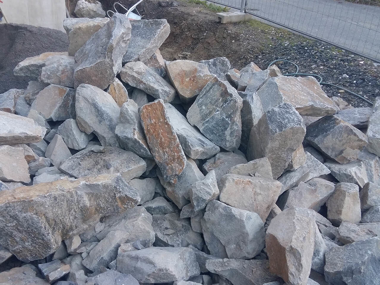Osttiroler Tauernsteine Voithofer Ziermauern (4)